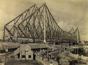 Howrah Bridge, 1945 (Image Courtesy: Wikipedia)