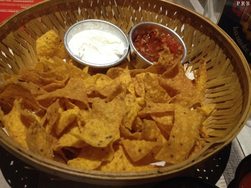 Nachos with sour cream